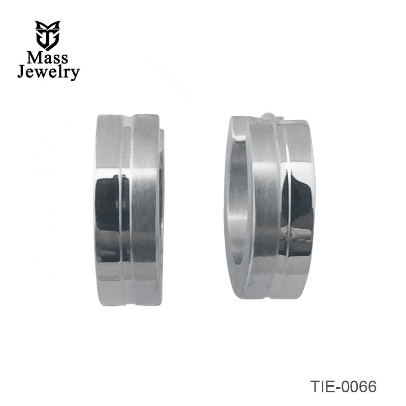 Titanium brushed and polished clamp earrings with brushed