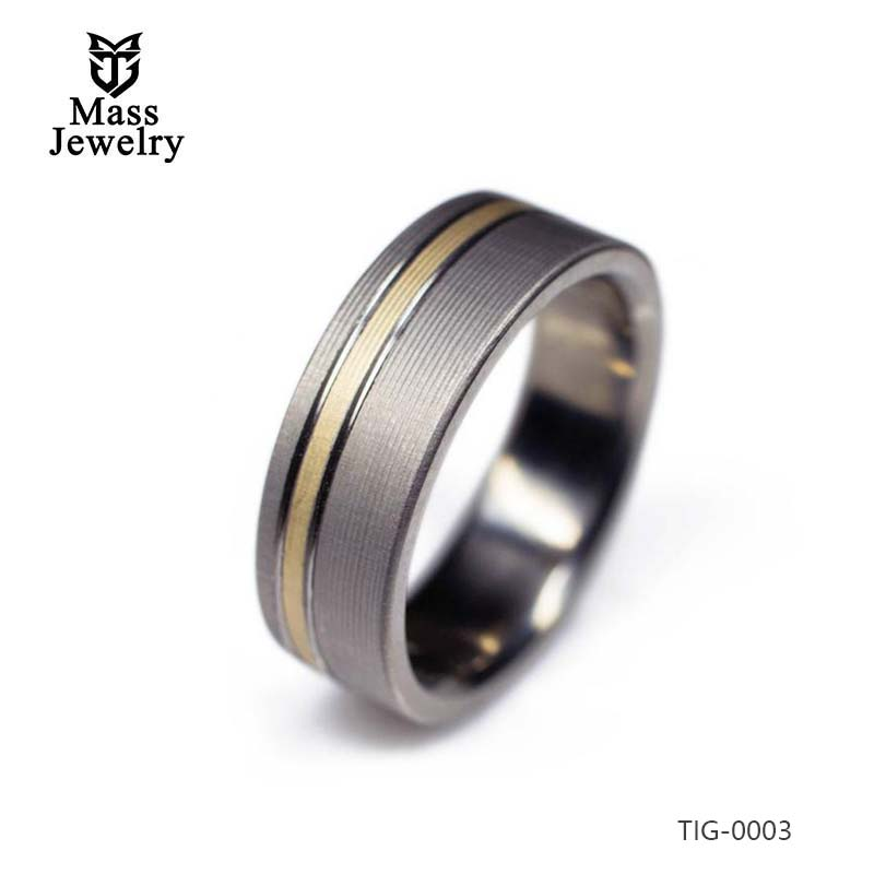 Titanium And 14k Yellow Gold Ring – With Highlighted Grooves